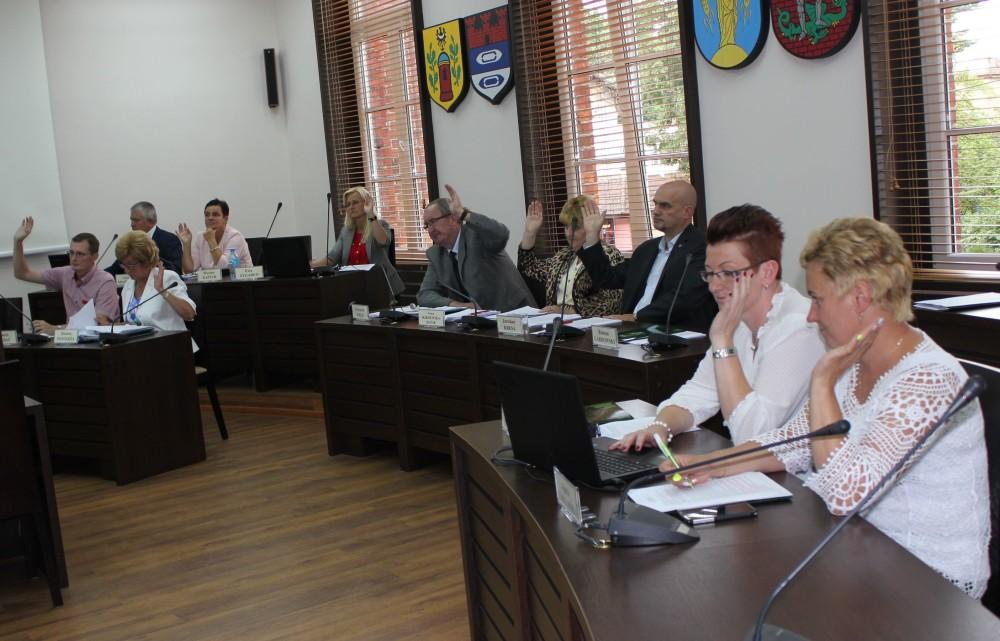 Radni podczas głosowania