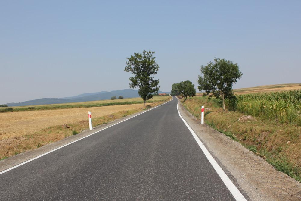 Droga Uciechów - Jażwina po remoncie