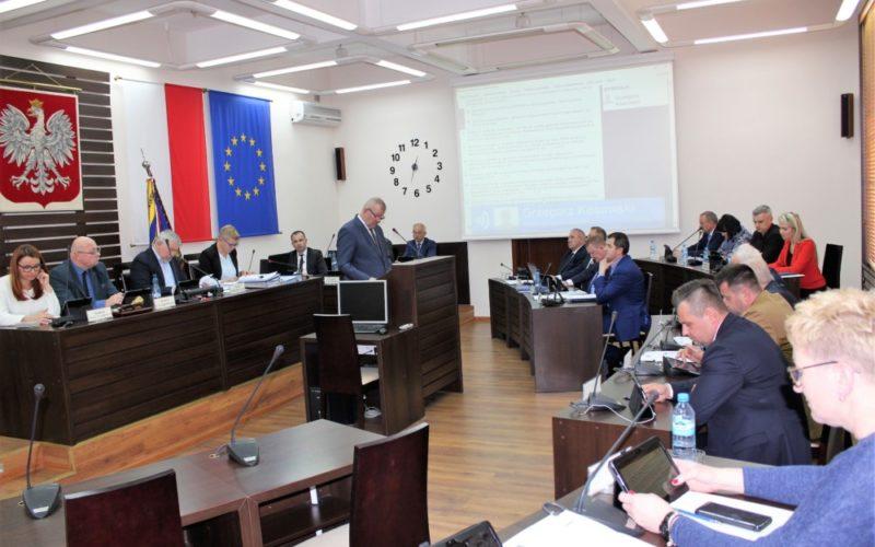O pomocy społecznej na sesji Rady Powiatu